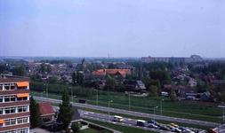 DIA42309 Spijkenisse; ; Het dorp gezien vanaf de Churchillflat, ca. 1980