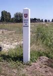 AB_GRENSPALEN_001 Grenspalen van de Privatieve Visserij van Abbenbroek; paal nummer 1; Juli 2003