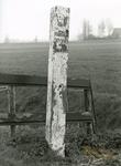 AB_GRENSPALEN_006 Grenspalen van de Privatieve Visserij van Abbenbroek; paal nummer 1; April 1998