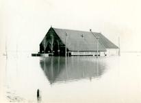 AB_WATERSNOODRAMP_010 Boerderij in het water; 1 februari 1953