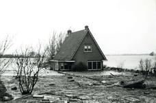 AB_WATERSNOODRAMP_019 Woning van de schoonouders Noordermeer van I. v/d Hoonaard; 1 februari 1953