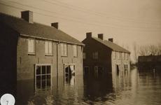 AB_WATERSNOODRAMP_047 Woningen langs de kerkweg; ca. 4 februari 1953