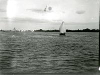 BR_BRIELSEMAAS_007 Brielle; Zeilschepen op de Brielse Maas, ca. 1930