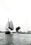 BR_BRIELSEMAAS_011 Brielle; Zeilschip De Stern van P. Kruyt op de Brielse Maas, ca. 1930