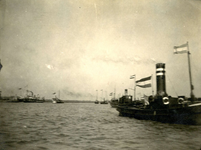 BR_BRIELSEMAAS_012 Stoomscheepje SS Den Briel op de Brielse Maas; ca. 1920