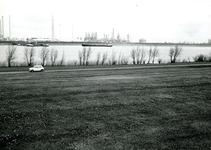 BR_BRIELSEMEER_115 Brielle; Het recreatiegebied langs het Brielse Meer, bij de Krabbeweg voor de aanleg van het ...