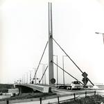 BR_BRUGGEN_HARMSENBRUG_004 Brielle; De Harmsenbrug over het Hartelkanaal, 18 juli 1972