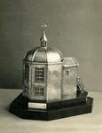BR_DERIK_WATERSCHAP_280 Zilveren trofee van de koepel Zeeburg, vervaardigd in 1951; ca. 1960