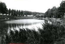 BR_KAAIVEST_047 Kijkje op de Kaaivest. Op de achtergrond de Kaaipoort; 11 september 1974