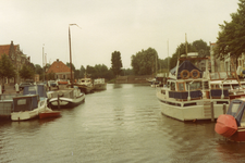 BR_MAARLANDNZ_328 Plezierschepen in de haven; Augustus 1977