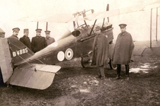 BR_MILITAIREN_015 De noodlanding van Owen Thamer, tweede luitenant bij het Royal Flying Corps uit Canada, geland in de ...