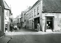 BR_NOBELSTRAAT_046 Garage Vink op de hoek van de Nobelstraat en Varkensstraat; 10 maart 1961