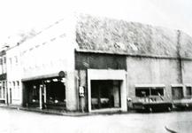 BR_NOBELSTRAAT_047 Garage Vink op de hoek van de Nobelstraat en Varkensstraat; ca. 1970