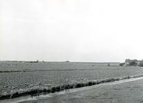 BR_OOSTERLANDSEDIJK_001 Brielle; Kijkje op de polder Klein Oosterland vanaf de Oosterlandsedijk. Links in de verte de ...