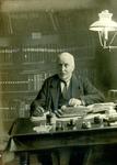 BR_PERS_BEEN_003 Archivaris Johan Been in zijn werkkamer; ca. 1920