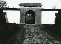 BR_POORTEN_KAAIPOORT_002 De Kaaipoort in de jaren dertig, witgepleisterd; ca. 1930
