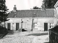 BR_POORTEN_KAAIPOORT_028 De Kaaipoort en de woning Kaaistraat 27 na de restauratie; 1973