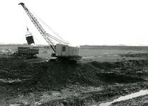 BR_ROCHUSMEEUWISZOONWEG_034 Het graven van de jachthaven M.H. Tromp; April 1973