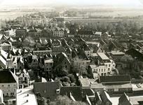 BR_SCHARLOO_044 Panorama vanaf de toren van de St. Catharijnekerk, met een kijkje op de Voorstraat, en het Scharloo; 1935