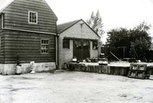 BR_SLAGVELD_081 Achterzijde van benzinestation van G.A. v/d Ham; 1981