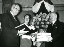 BR_STICHTINGBRIELSEMAAS_005 Het passeren van de notariële akte tot oprichting van de Stichting Recreatie Brielse Maas ...