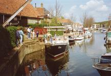 BR_TURFKADE_140 Bij Scheepswerf Delta van Van der Torren wordt de Walrus te water gelaten; ca. 1990