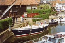 BR_TURFKADE_141 Bij Scheepswerf Delta van Van der Torren wordt de Walrus te water gelaten; ca. 1990