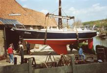 BR_TURFKADE_143 Bij Scheepswerf Delta van Van der Torren wordt de Walrus te water gelaten; ca. 1990