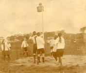 BR_VERENIGINGEN_BRINIO_033 Wedstrijd van Gymnastiekvereniging Brinio op het sportveld aan de Welleweg; 1922