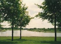 HV_BRIELSEMAASDIJK_01 Zicht op het voedingskanaal en de Bernisse vanaf de Brielse Maasdijk; 1997