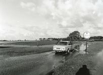 HV_WATEROVERLAST_060 Hoog water in de polder van Heenvliet na overvloedige regenval; 16 september 1998