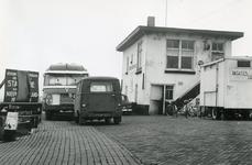 HK_VEER_020 Het veerhuis of Tolhuis Café Spuizicht bij de veerboot Hekelingen - Nieuw-Beijerland over het Spui; 20 ...