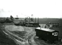 HE_DELTAWERKEN_033 Hellevoetsluis; Voorbereidingen voor de aanleg van een werkhaven voor de aanleg van de ...