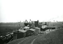 HE_DELTAWERKEN_034 Hellevoetsluis; Voorbereidingen voor de aanleg van een werkhaven voor de aanleg van de ...