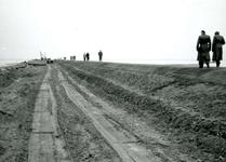 HE_DELTAWERKEN_037 Hellevoetsluis; Voorbereidingen voor de aanleg van een werkhaven voor de aanleg van de ...
