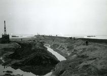 HE_DELTAWERKEN_038 Hellevoetsluis; Voorbereidingen voor de aanleg van een werkhaven voor de aanleg van de ...