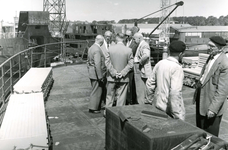 HE_RTM_004 De verbouw van een veerboot tot zijladingsveerboot Haringvliet voor de RTM bij de Amsterdamse Werf Verschure; 1956