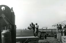 HE_RTM_008 De verbouw van een veerboot tot zijladingsveerboot Haringvliet voor de RTM bij de Amsterdamse Werf Verschure; 1956