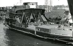 HE_RTM_014 De verbouw van een veerboot tot zijladingsveerboot Haringvliet voor de RTM bij de Amsterdamse Werf Verschure; 1956