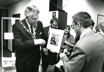 HE_STRUYTSEHOECK_012 Opening van polikliniek Het Nieuwe Weergors; 24 november 1988