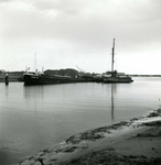 OV_BRIELSEMAASDAM_10 Oostvoorne; Werkzaamheden voor de aanleg van de Brielse Maasdam, ca. 1950