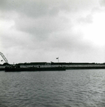 OV_BRIELSEMAASDAM_17 Oostvoorne; Werkzaamheden voor de aanleg van de Brielse Maasdam, ca. 1950