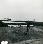 OV_BRIELSEMAASDAM_19 Oostvoorne; Werkzaamheden voor de aanleg van de Brielse Maasdam, ca. 1950