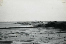 OV_BRIELSEMAASDAM_21 Oostvoorne; Werkzaamheden voor de aanleg van de Brielse Maasdam, ca. 1950