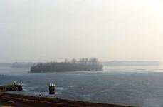 OV_BRIELSEMAASDAM_61 Oostvoorne; Uitzicht op Brielse Meer vanaf de Brielse Maasdam, ca. 1994
