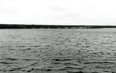OV_BRIELSEMAASDAM_80 Oostvoorne; Jachthaven van Watersportvereniging Oostvoorne, gezien vanaf het Brielse Meer, Juni 1972