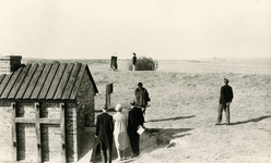 OV_HEINDIJK_55 Oostvoorne; De herbouwde Kogeloven wordt geopend, ca. 1959