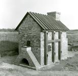 OV_HEINDIJK_76 Oostvoorne; De herbouwde Kogelgloeioven, 20 juli 1958