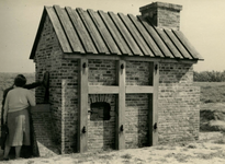 OV_HEINDIJK_93 Oostvoorne; De herbouwde Kogelgloeioven, 1957