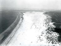 OV_LUCHTFOTO_27 Luchtfoto van het autostrand; 7 augustus 1969